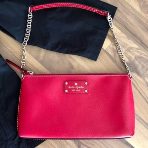 Regal Red Kate spade bag in new condition❤️